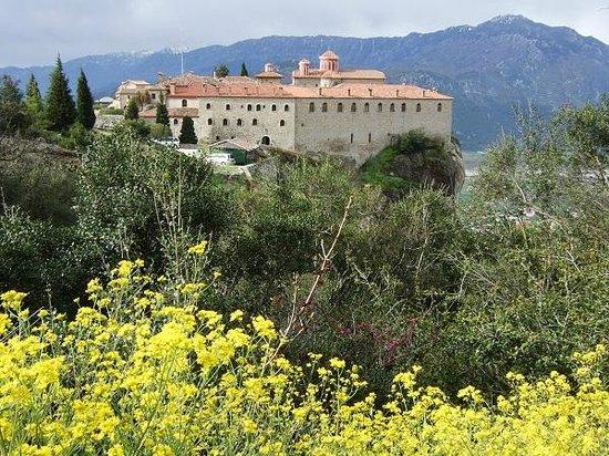 Agios Stefanos: 聖ステファノス修道院