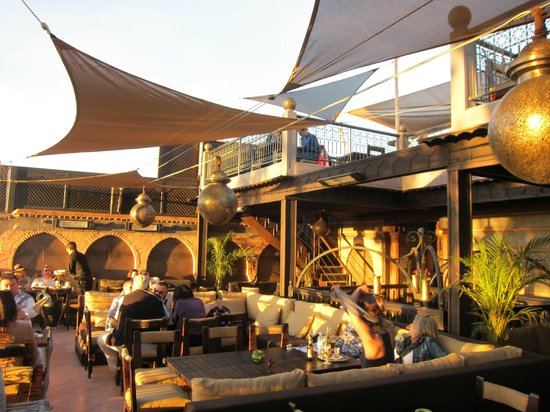 Kosy Bar: Casual and swank at the same time