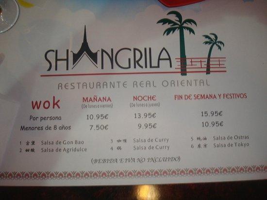 Shangrila: Mantel de la mesa.