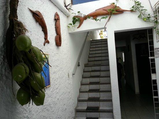 Pousada Estalagem: escada do 1º para o 2º piso