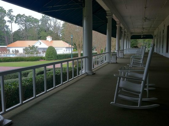 The Carolina Hotel - Pinehurst Resort : Back porch