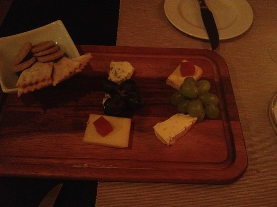 Ducks Inn - The Bar: Cheese to Share