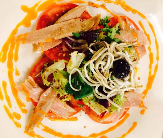 Restaurante San Fermin : Ensalada de tomate con Ventresca