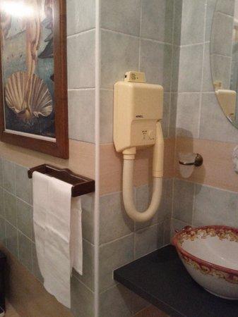 Quo Vadis Inn: Bathroom