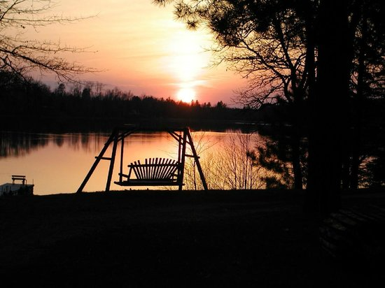 Lakewood Lodge: Beautiful Sunsets