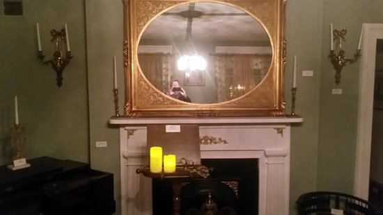 Civil War Medical Museum Mirror In One Of The Rooms