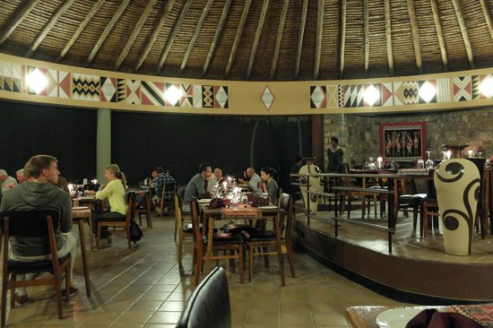 Tarangire Safari Lodge: dining