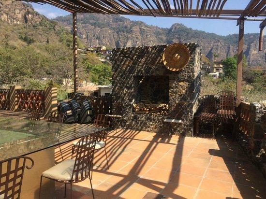Tepozteco: The open air dining room of La Villa Bonita