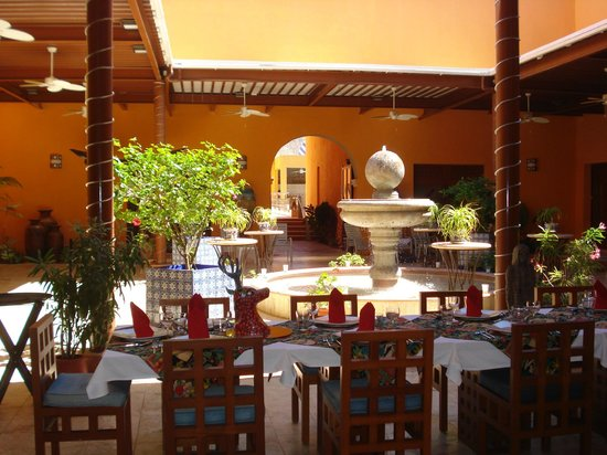 Casa de los Venados: The main room