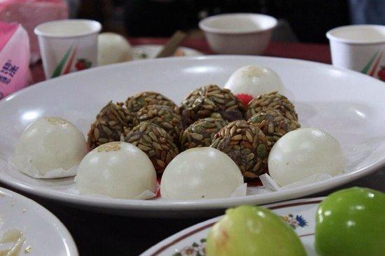 Shi Qiang Zai Nei Resort Farm : 點心雙拼
