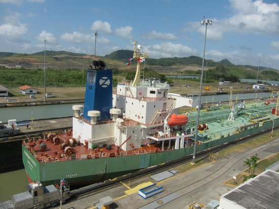 Panama Great Adventures - Day Tours: Miraflores locks