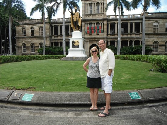 King Kamehameha Statue: There's the King, not 5OH, eh.