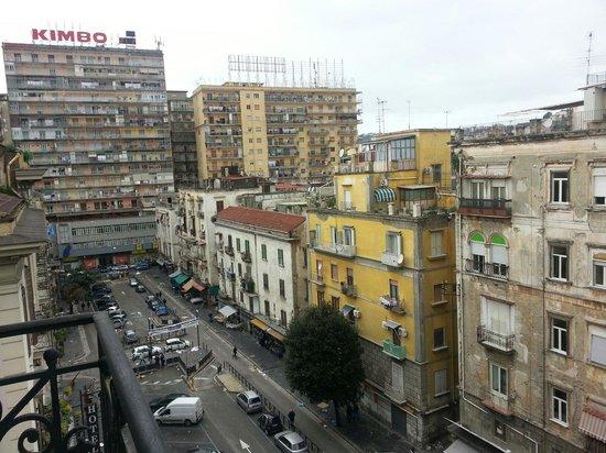 UNA Hotel Napoli: Vista dal balconcino dell'hotel