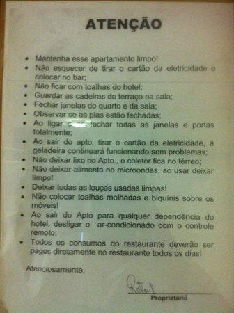 Marulhos Suítes Resort: Na porta do apartamento: instruções podiam ser mais gentis...