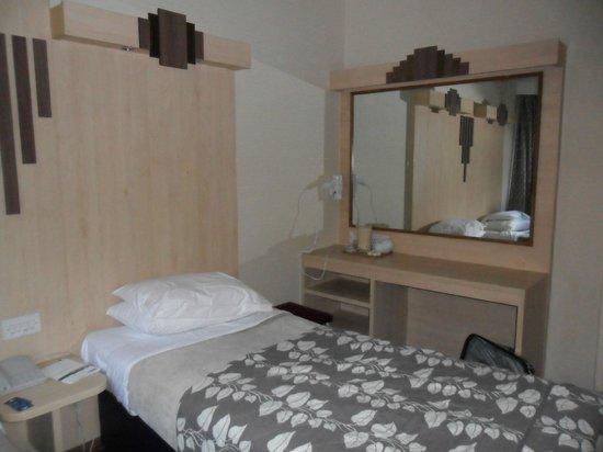 Tavistock Hotel: chambre 2pers-lits jumeaux