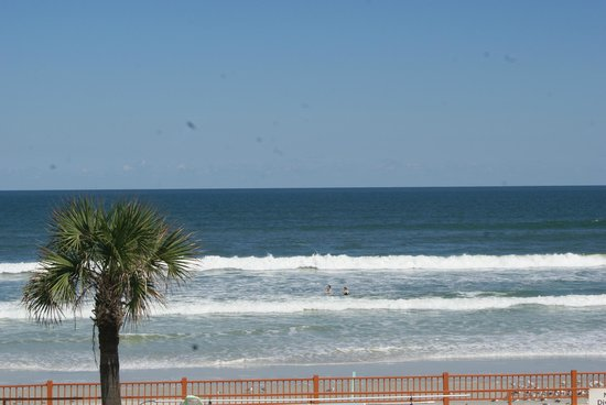 Econo Lodge Oceanfront: View from the balcony