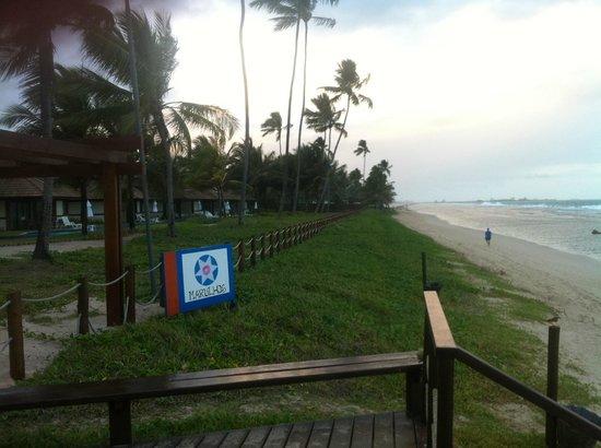Marulhos Suítes Resort: Fachada do hotel (vista da praia)
