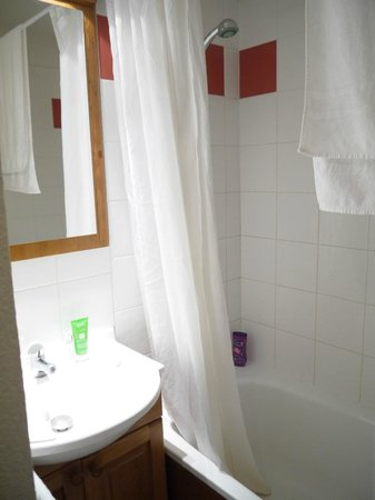 Lagrange Prestige Résidence Les Fermes de Samoens : salle de bains