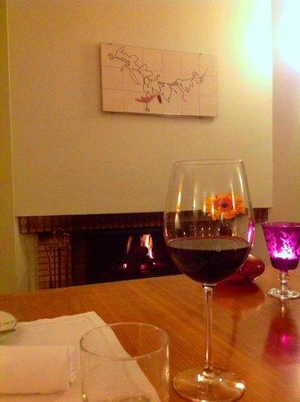 Pousada de Ourem - Fatima Historic Hotel : wine @fire place