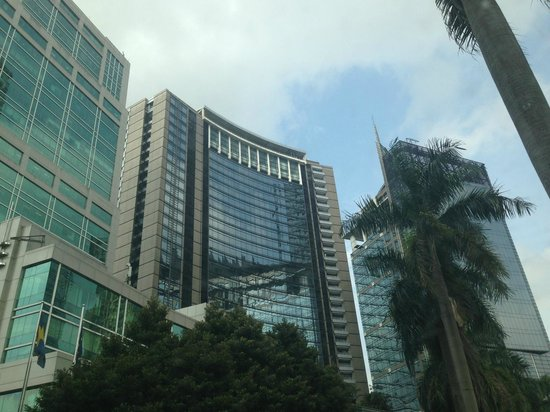 JW Marriott Hotel Jakarta : Hotel exterior - building in the middle