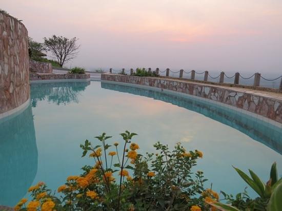 Kingfisher Lodge Kichwamba: the lower pool