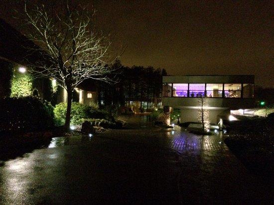 Hotel Stiemerheide: By night