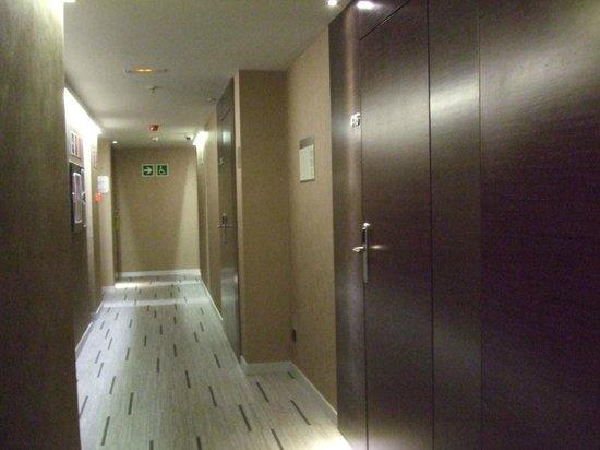 Hotel Exe Moncloa: Pasillo