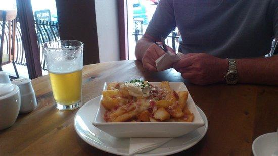 Cafe Affair of Nelson: Beer battered chips