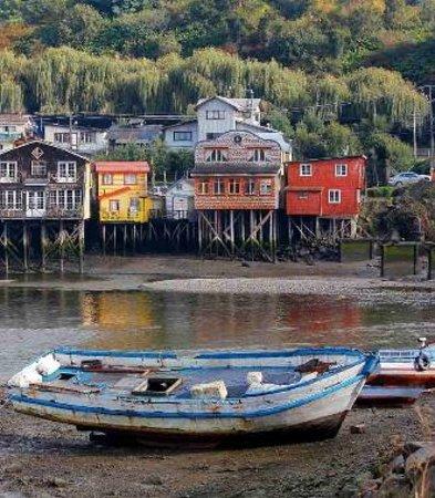 Cafe del Puente: botes al frente