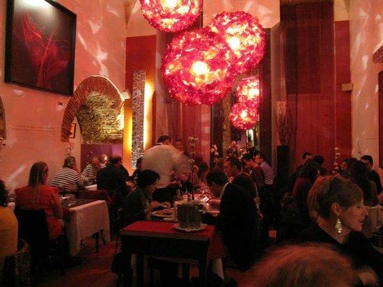 Restaurante Sacramento : Main dining area