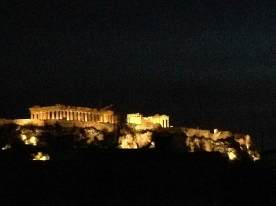 Athens Cypria Hotel: Night time photo from the room