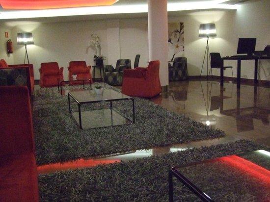 Hotel Exe Moncloa: Salón en planta baja