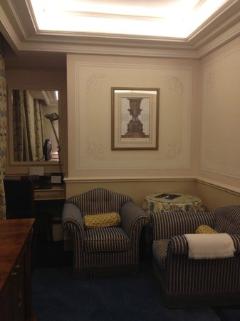 Hotel Principe Di Savoia: Seating area