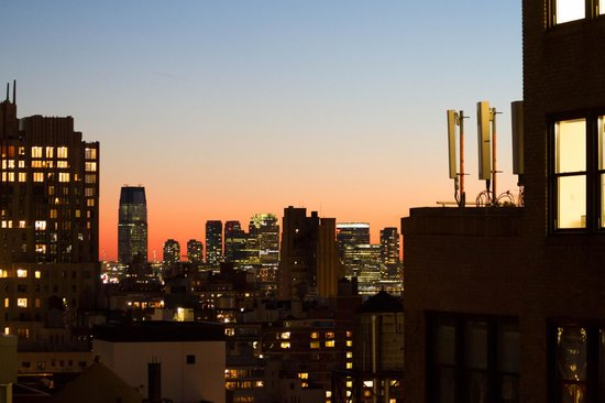 Hilton New York Fashion District : View of Lower Manhattan from Rare View bar at the hotel
