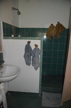 Matemwe Beach Village: bathroom
