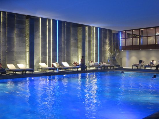 Kulm Hotel St. Moritz: The gorgeous pool, with underwater music!
