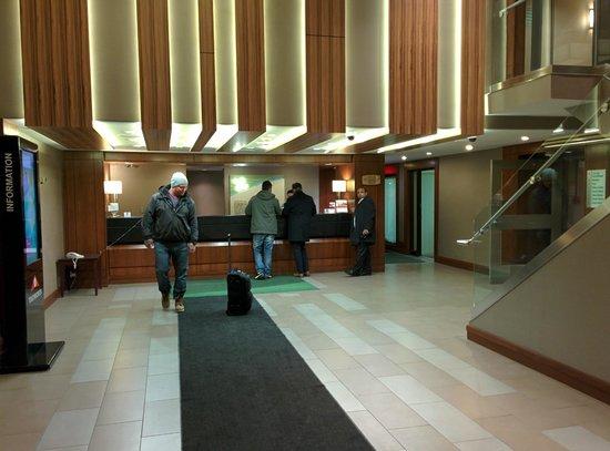 Holiday Inn Toronto Airport East : Lobby
