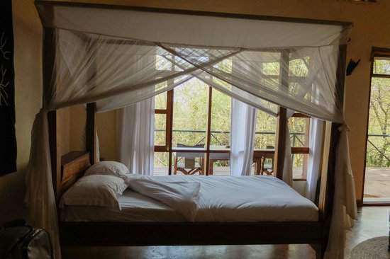 Ngorongoro Farm House, Tanganyika Wilderness Camps: my bed in the room