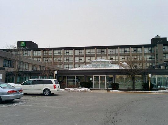 Holiday Inn Toronto Airport East : Outside