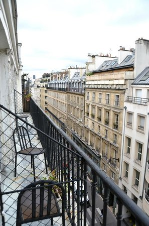 Hotel Vivienne: Room view