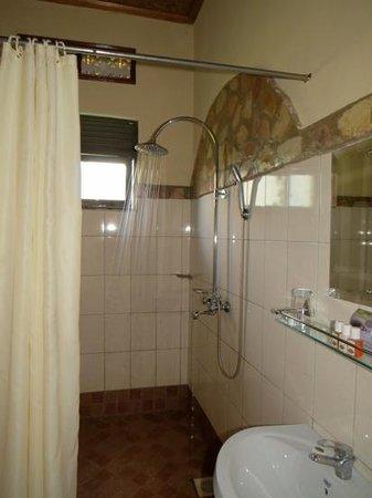 Silverback Lodge : ahhhh. the shower