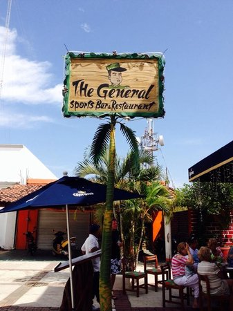 The General's Sports Bar & Restaurant: The General