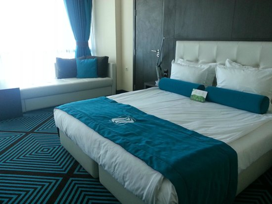 INTERNATIONAL Hotel Casino & Tower Suites: Bed Room