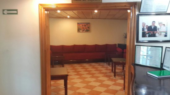 Motel Relais Ras el Maa: Le salon marocain.