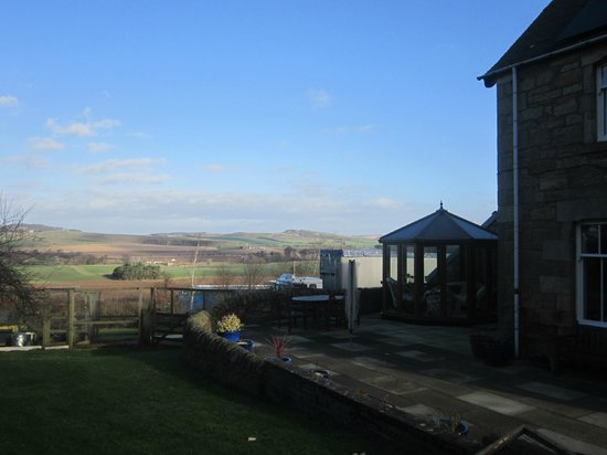 Wester Dura B&B & Cupar accommodations: A beautiful morning in Wester Dura