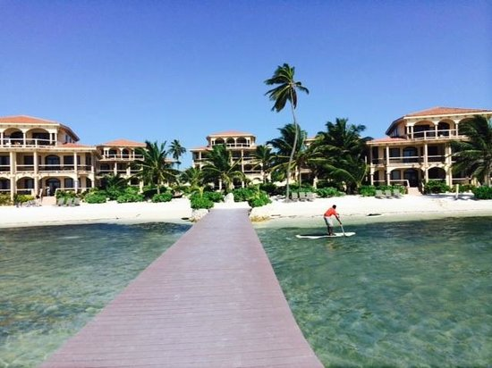 Coco Beach Resort : View of whole resort from our dock