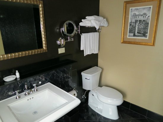 Hotel Mazarin: Rm 311 Bathroom