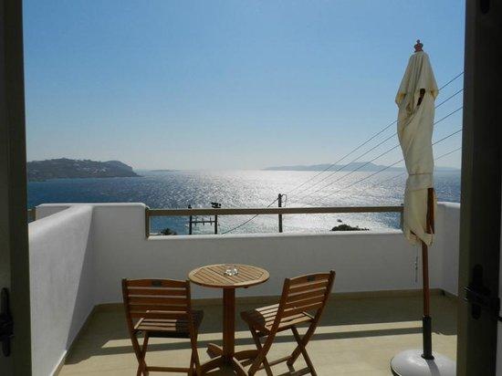 Lithos by Spyros & Flora: Sea View