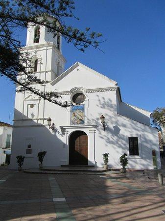 Iglesia del Salvador: Voorzijde van het Plaza de Balcon de Europa