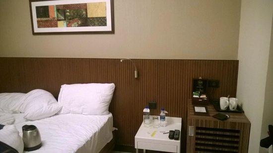 Residency Sarovar Portico: Room